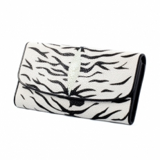 Женский кошелек из кожи ската, цвет: белый тигр