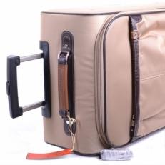 Женский чемодан в ручную кладь фото-2