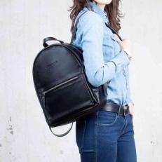 Женский кожаный рюкзак Caroline Black