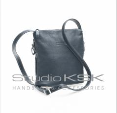 Классичекая черная сумка женская кросс боди 3503