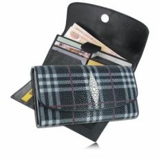 Женский кошелек из кожи ската, цвет: черный в клетку