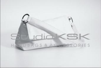 Белая изящная сумка женская классической формы 4382