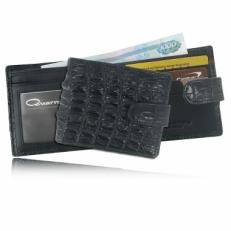 Мужской кошелек из кожи крокодила с хлястиком, цвет: черный