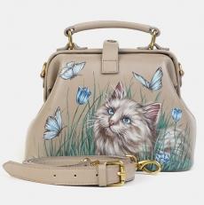 Маленькая сумка саквояж бежевая «Кот на лужайке»